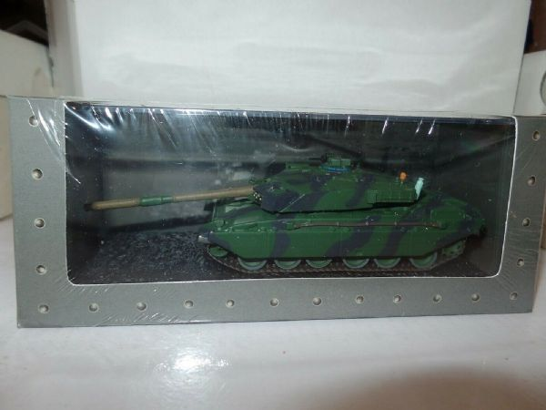 Atlas GJ31 1/72 Scale Tank British Army Challenger I 1984